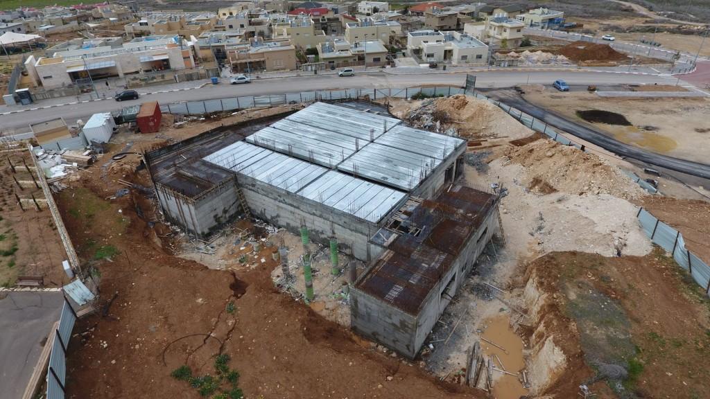 בית הכנסת בבנייה בנטע
