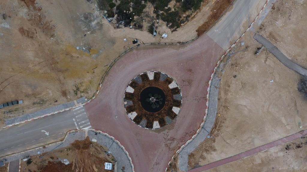 כיכר הכניסה בנטע