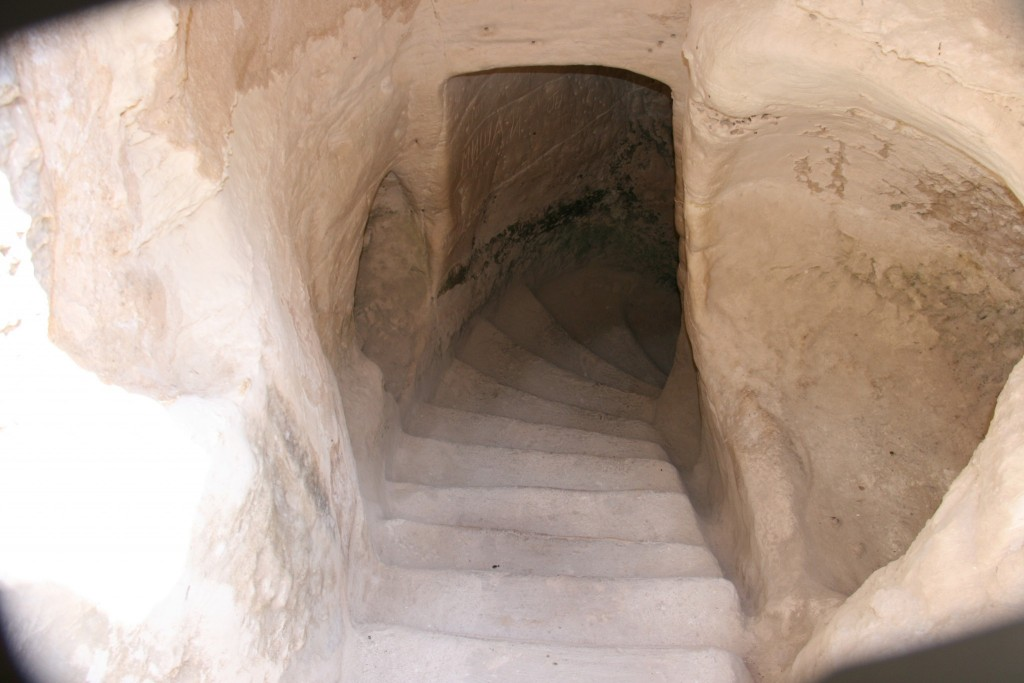 מדרגות מערה - בית גוברין