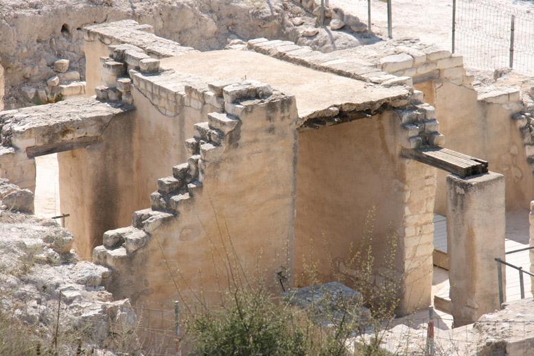 מבנה עתיק - בית גוברין